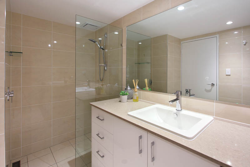 Bathroom designs renovations brisbane super renovators for Bathroom design and renovations